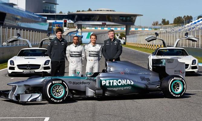 Mercedes-W04-Hamilton-Rosberg