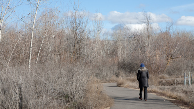 Walking by the Boise River-0926