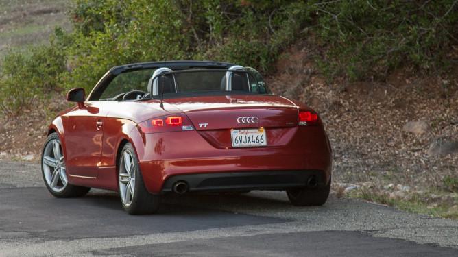 Audi-76-4