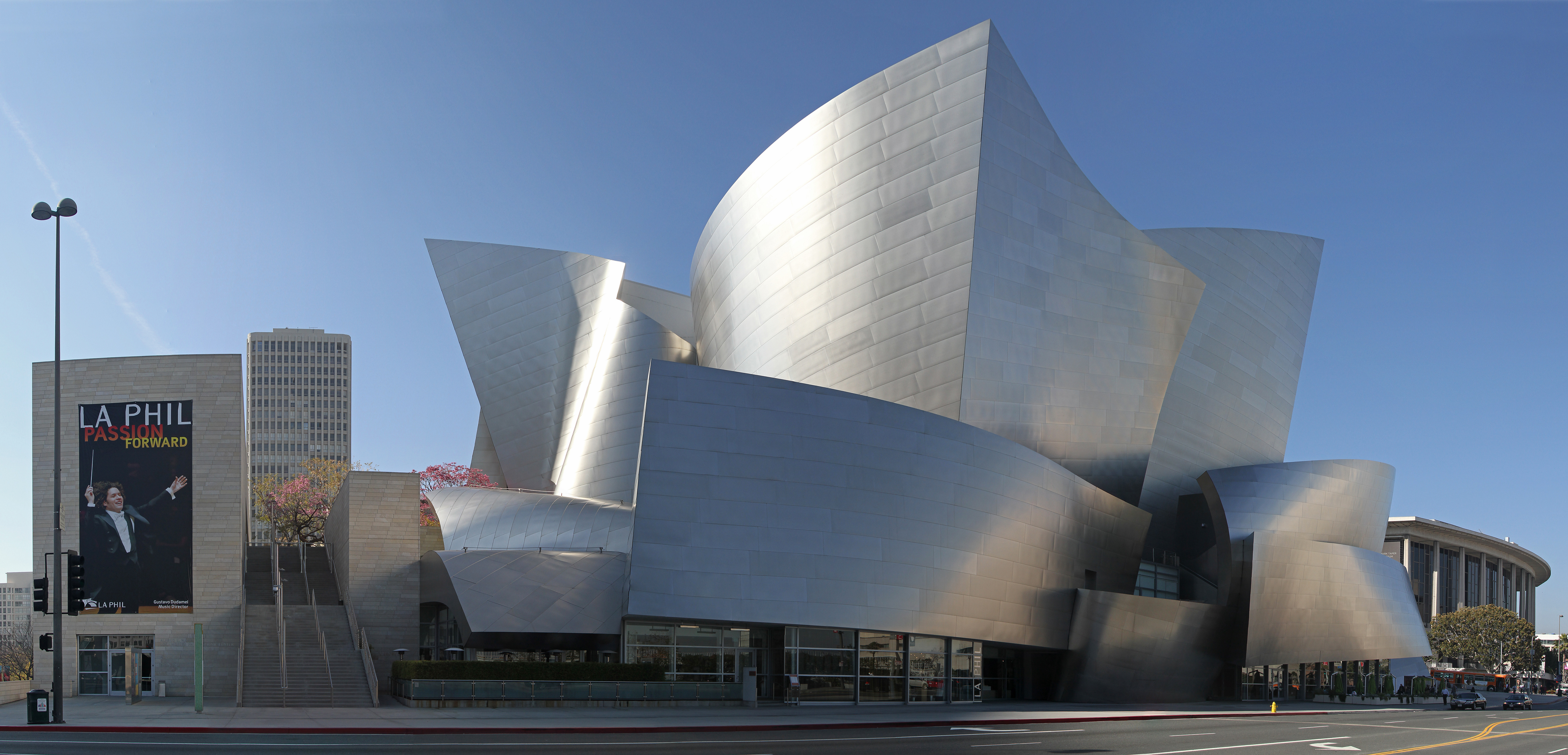 The Disney Concert Hall by Frank Gehry (picture from Wikipedia)