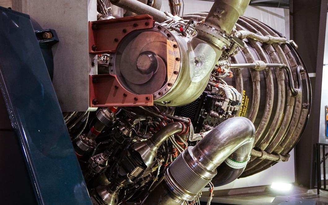 Shuttle engine2-00448